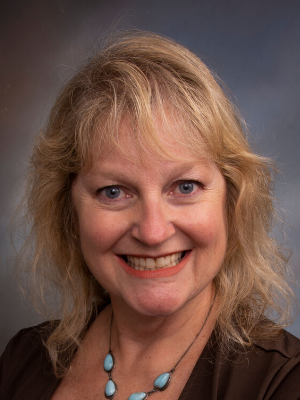 Lesley Menhart